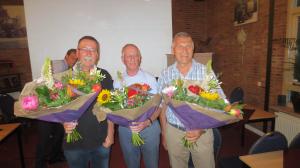 Chris (l) en Gerrit (m) onderscheiden door Gewest